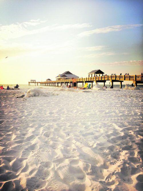 Auf dem Pier 60 in Clearwater Beach findet jeden Abend zum Sonnenuntergang ein Markt statt. VN/Beate Rhomberg (2)