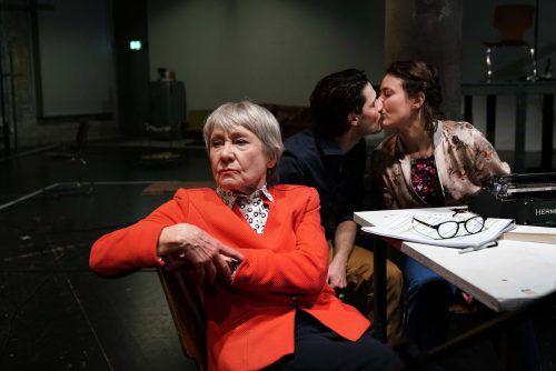 Auf der Bühne in St. Gallen wird Hürlimanns Novelle als Hör-Drama inszeniert. JOS SCHMID