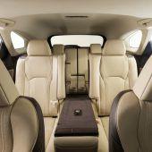 Autonews der WocheLexus-SUV mit langem Radstand / Erstes Super Sport Utility Vehicle von Lamborghini / Luxus-SUV von Range Rover am Stecker