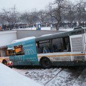 Busunglück in Moskau gibt Rätsel auf