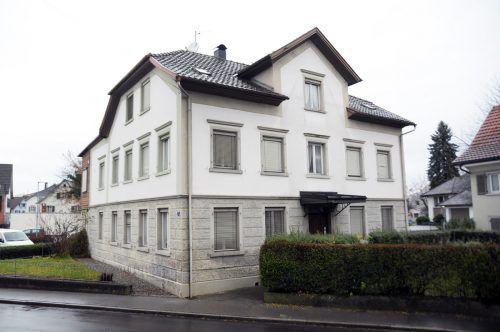 """Das Haus Hofsteigstraße 7, einst Gasthaus """"Post"""", soll durch die """"Projekt- und Strukturentwicklungsgenossenschaft"""" Hard angekauft werden. ajk"""