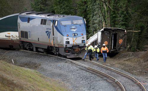 Der Amtrak-Zug 501 entgleiste kurz nach 7.30 Uhr Ortszeit. ap