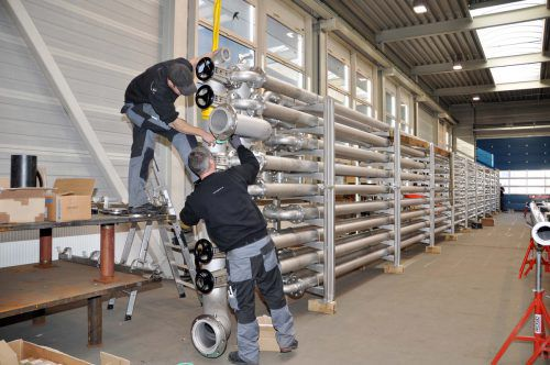 Der Nüziger Anlagenbauer Wagner GmbH ist für die Verrohrung in Obervermunt II zuständig. meznar