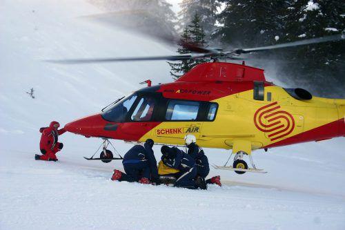 Der Rettungshubschrauber der Schenkair wurde zur Bergung des tödlich verunglückten deutschen Skifahrers herangezogen. VN
