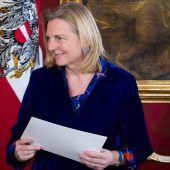 Auch Außenministerin Kneissl von Kontaktstopp betroffen