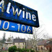 Unbekannter ersteigert Dorf Alwine für 140.000 Euro