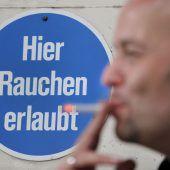 Schwarz-blaue Koalition verwirrt mit Rauchersteuer für Wirte