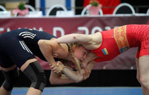 Ringerin Florine Schedler (l.) belegte beim Weltcup in Riga den zweiten Platz.Verein