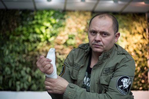Ein detonierender Böller wurde Robert zum Verhängnis. Er verletzte sich schwer an der Hand und kämpft noch heute mit den Folgen. VN/Paulitsch