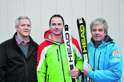 Gerd Kogler vom Turnsportzentrum Dornbirn arbeitet mit Andreas Hammerer (SC Mühlebach) und Johann Krojer (VSV-Freestylereferat) zusammen.FSD