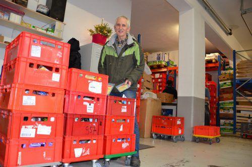 Elmar Stüttler ist froh über die Lebensmittel, die er für Bedürftige erhält, aber zuweilen sind es selbst für ihn viel zu viele. vn/hjr