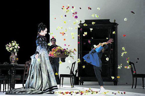"""In Zürich ist eine Neuinszenierung von Puccinis """"Madama Butterfly"""" zu sehen. T+T Fotografie"""