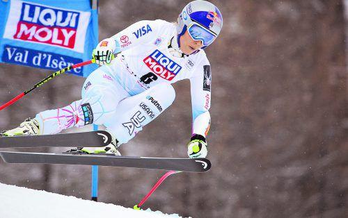 Lindsey Vonn braust in Val d'Isère zum Sieg im Super-G. Auf das zweite Rennen musste die Amerikanerin aber wegen Knieproblemen verzichten. apa