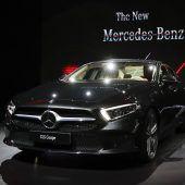 Autonews der WocheNeuer Mercedes-Benz CLS in Los Angeles präsentiert / Mazda enthüllt den überarbeiteten Mazda6 / Neue Cabrio-Version der Corvette ZR1