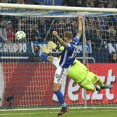 Bayern knackt Köln-Bollwerk und Schalke ist der erste Verfolger