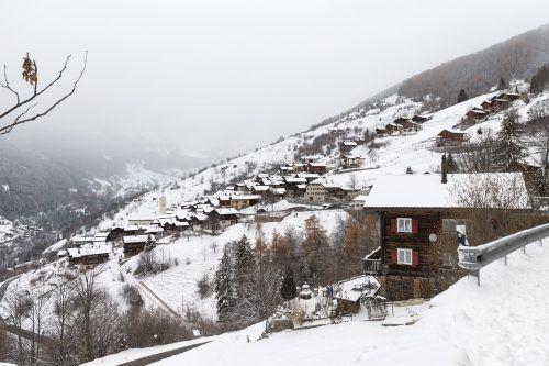 Schrumpfendes Schweizer Dorf Albinen kämpft gegen die Abwanderung. AP