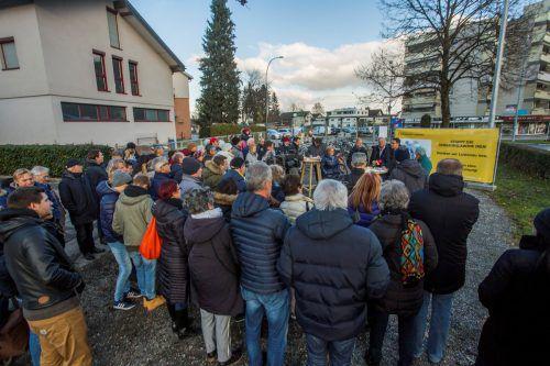 Bürger in Lustenaumachen mobil gegen eine mögliche Ansiedlung des schwedischen Möbel-Riesen Ikea.VN/Paulitsch