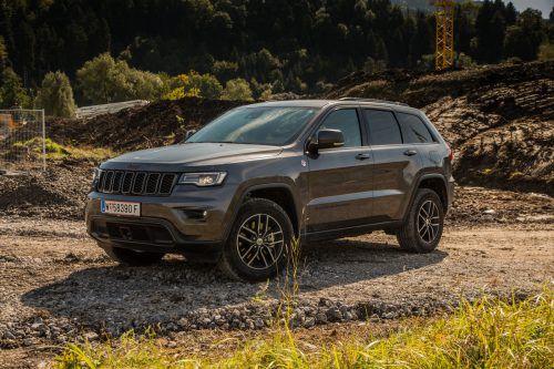"""Von wegen """"Ende Gelände!"""": Der Trailhawk ist tatsächlich ein SUV, das auch auf Abwegen ordentliche Manieren beweist. vn/steurer"""