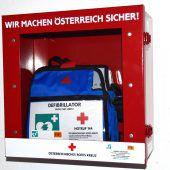 Neuer Defibrillator in Rankler Sporthallen