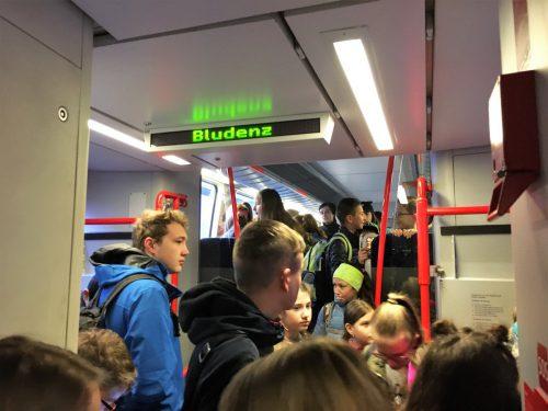 Auch in Vorarlberg müssen Schüler teils längere Schulwege in Kauf nehmen.vn/lechleitner