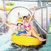 """<p class=""""infozeile"""">               badespass bei jedem wetter im erlebnisbad cambomare              </p><p class=""""infozeile"""">Alles, was zu einem gelungenen Badeausflug gehört, bietet das Allgäuer Erlebnisbad CamboMare in Kempten (D). Zu den Highlights gehören Schwimmlagune, Sprudelliegen, beheiztes Außenbecken, Sportbecken, Kids-Bereich und über 200 Meter Rutschvergnügen. Für Erholung sorgen zwölf verschiedene Saunen mit Natur-Schwimmteich, Wellness- und Massageangebote sowie ein umfangreiches gastronomisches Angebot.</p>"""