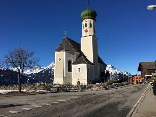 Bei der Bartholomäberger Pfarrkirche wird die Hauptwasserleitung erneuert. VN/RAL