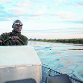Mit dem Boot über den Okavango