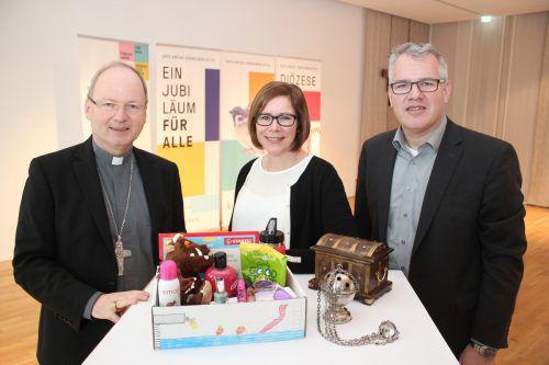 Bischof Benno Elbs und Projektkoordinatorin Manuela Gangl bei der Programmpräsentation in Bludenz. VN/js