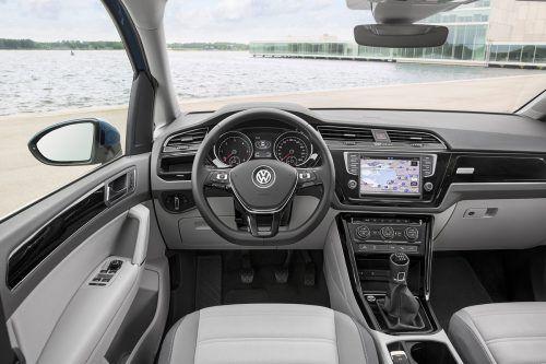 Das Interieur zeigt typische VW-Hand- schrift: praktisch und nüchtern.