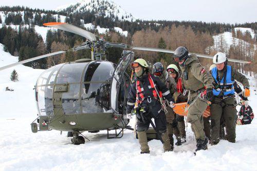 Soldaten des Bundesheeres sind für die Bergung von in Alpinnot geratenen Personen bestens geschult. vn/Gs