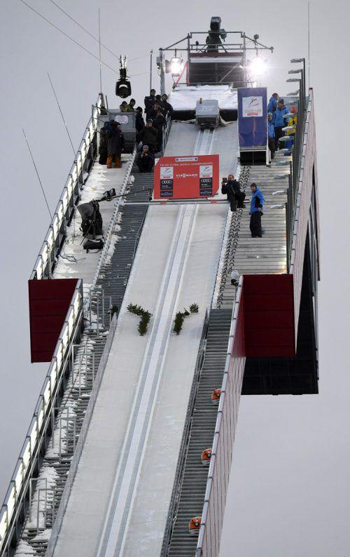 Das Warten lohnte sich nicht: Bei der Skiflug-WM wurde die Quali abgesagt.apa