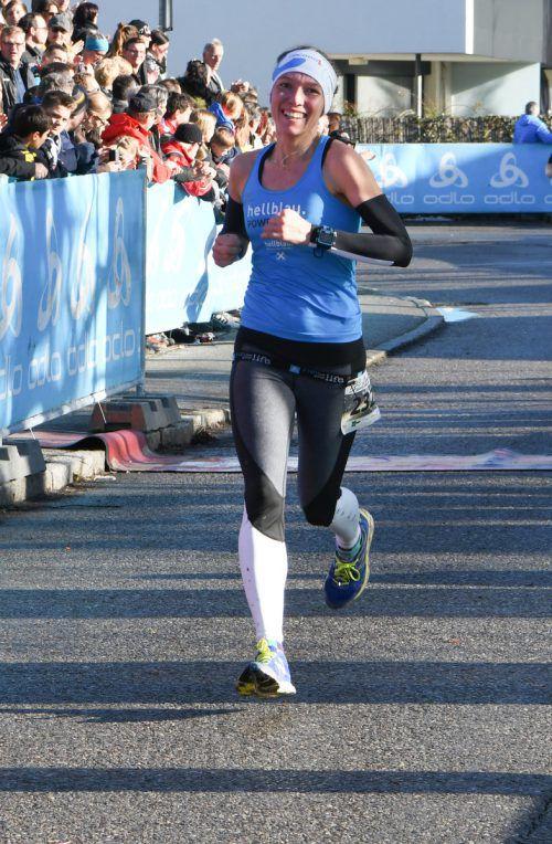 Denise Neufert setzte sich bei den Langstrecken-Damen klar durch.Gasser