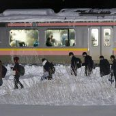 600 Japaner saßen über Nacht im Zug fest