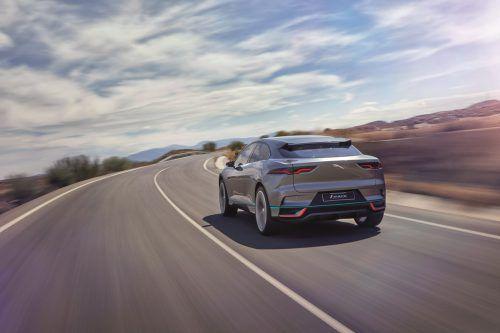 Die britische Premium-Marke Jaguar bringt mit dem E-Pace ihr erstes Kompakt-SUV auf den Markt. Im boomenden Segment will Jaguar weiter wachsen.