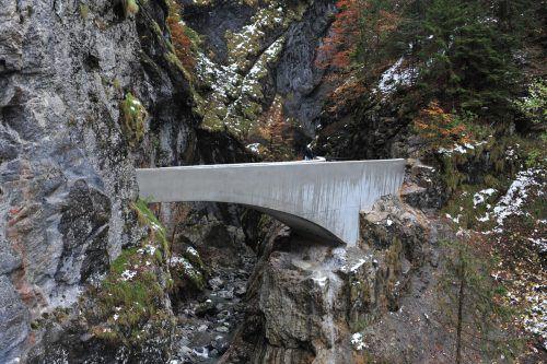 Die Brücke über die Schaufelschlucht könnte Vorbild für neue Rappenlochbrücke werden. STD