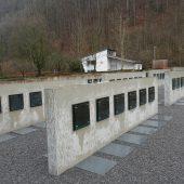 Neue Urnenplätze gesegnet