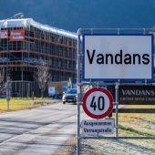 Vandanser Bürgermeister wegen Brünnele und einer Holzlieferung unter Druck. A6