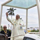 Papst prangert Gewalt gegen Frauen in Lateinamerika an