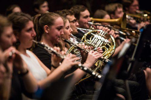 Im Dornbirner Kulturhaus spielten vor allem auch die Bläsergruppen des Jugendsinfonieorchesters ihre Stärken aus. VN/Steurer