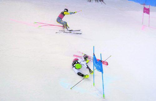 Michael Matt (vorne) rutschte im Finale des Parallelbewerbs in Oslo gegen Andre Myhrer aus und landete im 34. Weltcuprennen zum vierten Mal auf dem Siegerpodest.Reuters