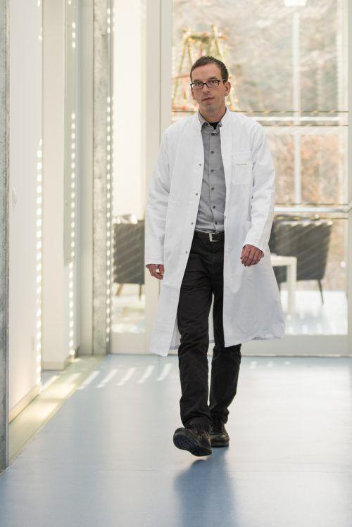 Michael Willis arbeitet jetzt als Oberarzt bei den Tirol Kliniken.maria ebene