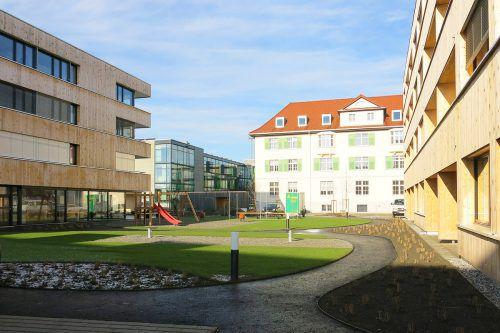 Mit Einrichtungen für Senioren wie für Kinder begegnet Lustenau der Entwicklung. GDE