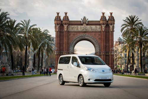 Nissan NV200 Evalia: Seine Basis ist ein Nützling. In der Pkw-Version kann eine zweisitzige dritte Reihe montiert werden.