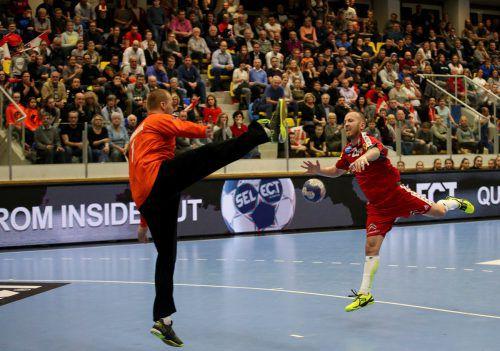 Routinier Robert Weber war bei den beiden Niederlagen gegen Tschechien jeweils erfolgreichster Werfer mit fünf bzw. acht Toren. GEPA