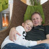 Bub rettet seinem Vater das Leben