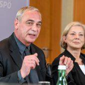 Klaus Gasser führt die roten Geschäfte