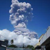 Zehntausende fliehen vor Vulkanausbruch