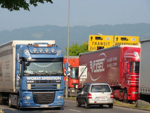 Verkehr am Grenzübergang Lustenau–Au. Die Situation bleibt unbefriedigend.FHO