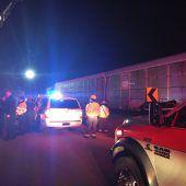 Zwei Tote und über 110 Verletzte nach Zugunfall in den USA