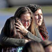 Empörung in den USA: Hilfspolizist griff bei Schulmassaker nicht ein